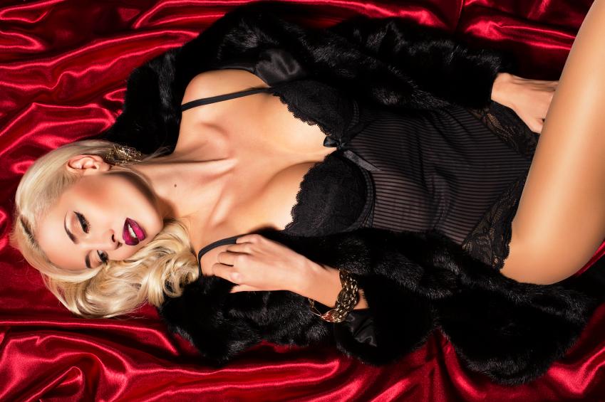 blondinka-v-shube-foto